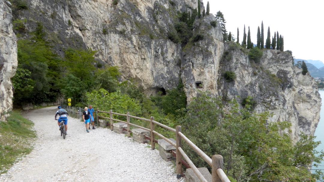 Sentiero Del Ponale Giacomo Cis